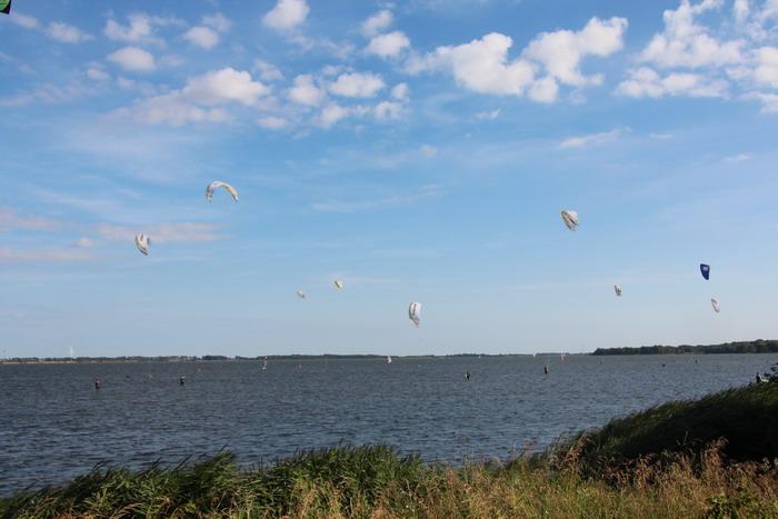 kiteschule-fly-a-kite-ruegen-Kitespot_Dranske_01