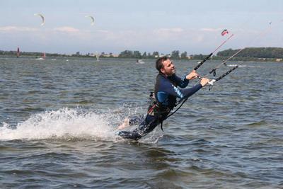 kiteschule-fly-a-kite-ruegen-kiten-einsteigerkurs_12_021