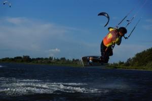 kitesurfen-fly-a-kite-ruegen-actionpics 046