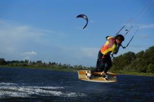 kitesurfen-fly-a-kite-ruegen-actionpics 047