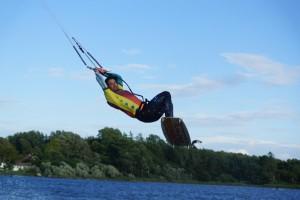 kitesurfen-fly-a-kite-ruegen-actionpics 051