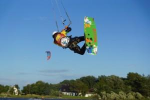 kitesurfen-fly-a-kite-ruegen-actionpics 055
