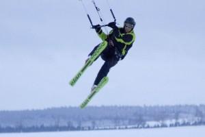 snowkiteschule-fly-a-kite-holzhau-05-06-09