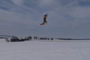snowkiteschule-fly-a-kite-holzhau-05-06-25