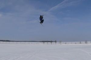 snowkiteschule-fly-a-kite-holzhau-05-06-28